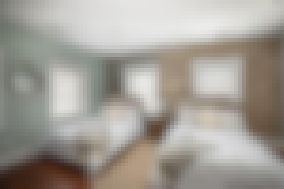 192 E Bay - guest bedroom